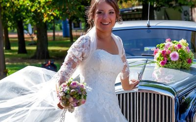 Exquisite Wedding Cars for Your Special Event
